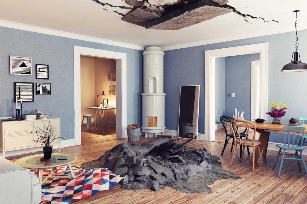 Pojištění nemovitosti pomůže i s poničeným stropem v bytě